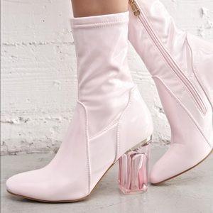 Blushin\' Saturn Boots